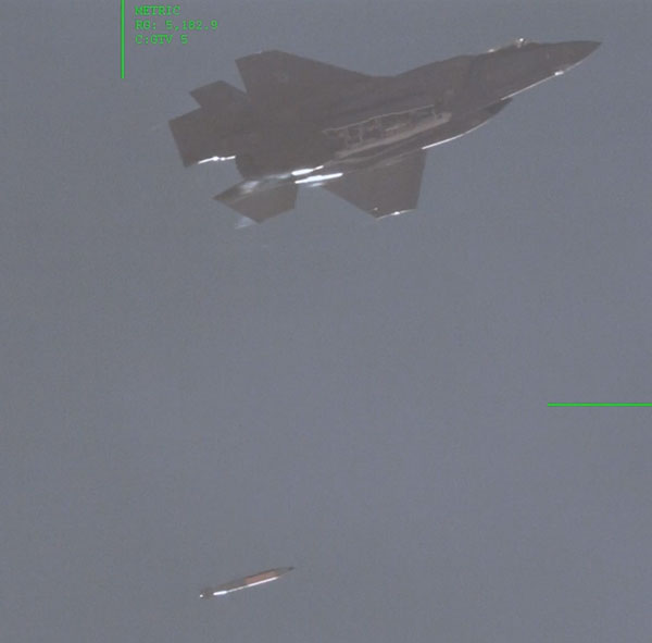 fighter jet drops mock B61-12