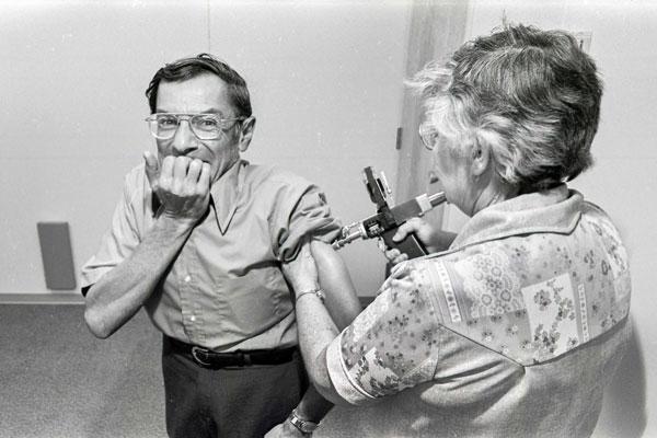 1977 flu shot photo