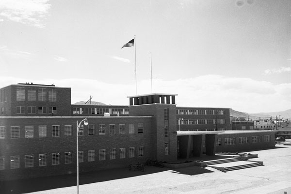 early photo of building 800