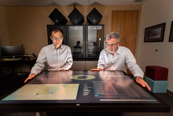 Computer scientists Tian Ma and Rudy Garcia