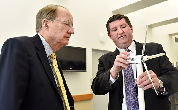 BEFORE AN?ALL-HANDS MEETING with Sandia employees, NNSA?Administrator Lt. Gen. Frank Klotz was briefed by researcher Todd Griffiths (6121) on Sandia's work related to offshore wind energy technologies.  (Photo by Randy Montoya)