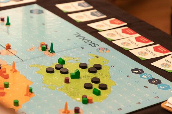 Signal board game
