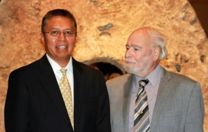Dr. Stanley Atcitty, left, and Dr. Imre Gyuk, right, at the Smithsonian, following the 2012 PECASE awards ceremony.